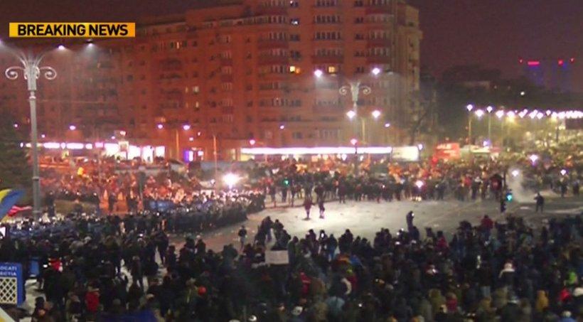 Violențe în Piața Victoriei. Imagini din timpul confruntării jandarmilor cu protestatarii violenți VIDEO 416