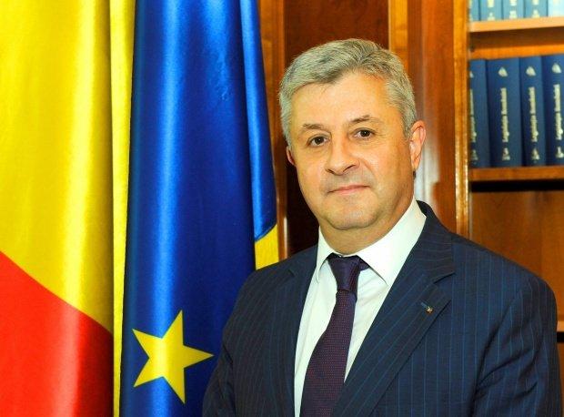 Apelul profesorilor de la SNSPA către Guvernul Grindeanu: Retrageți ordonanța!