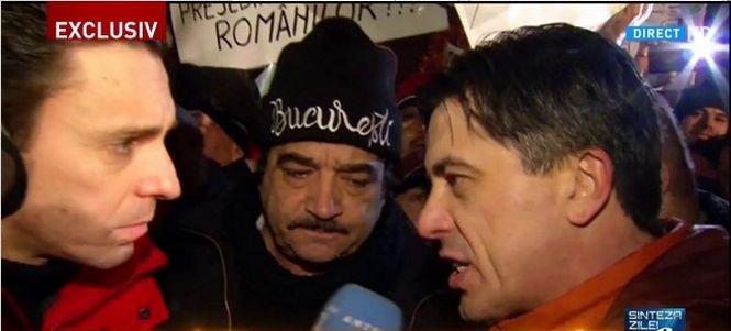 Mircea Badea, reporter la protestul de la Palatul Cotroceni - FOTO 418