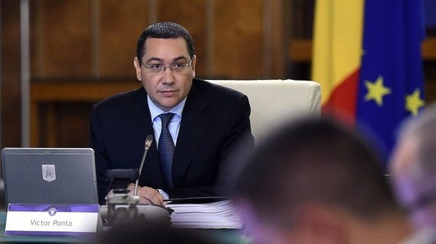 """Victor Ponta: Mă bucur că nu sunt singurul nebun care nu a votat povestea """"grotească"""" cu referendumuri ale lui Iohannis contra PSD"""