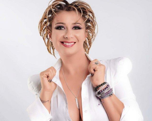 FOTO / Anamaria Prodan a renunțat la haine! Vedeta se ...   Anamaria Prodan