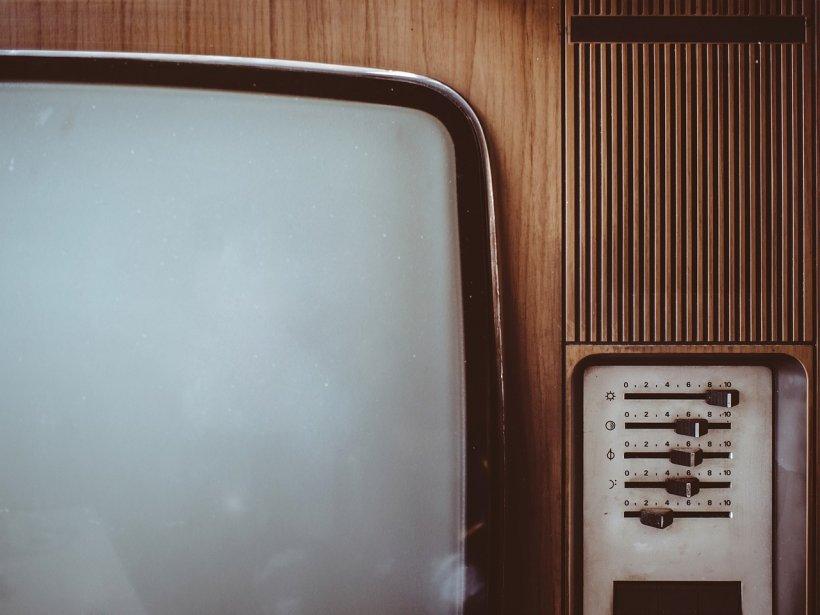 Comoara dintr-un televizor vechi. Ce a găsit un lucrător la un centru de reciclare a televizoarelor
