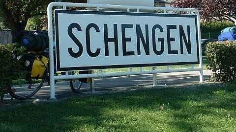Nou regulament Schengen, adoptat de Parlamentul European. Toți cetățenii vor fi verificați