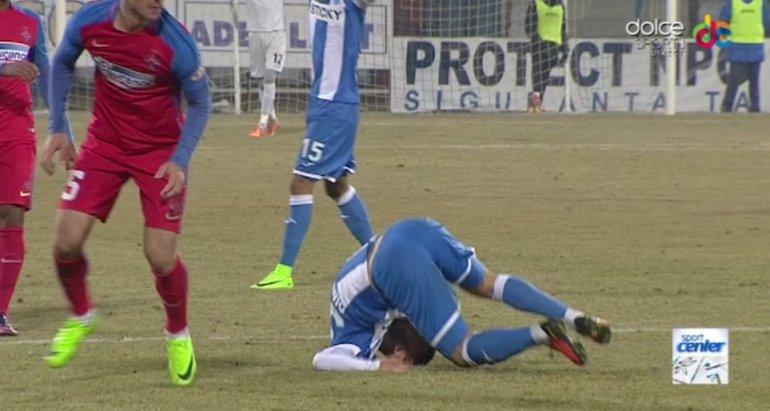 Aproape de tragedie! Imagini terifiante cu doi jucători la CS U Craiova - Steaua