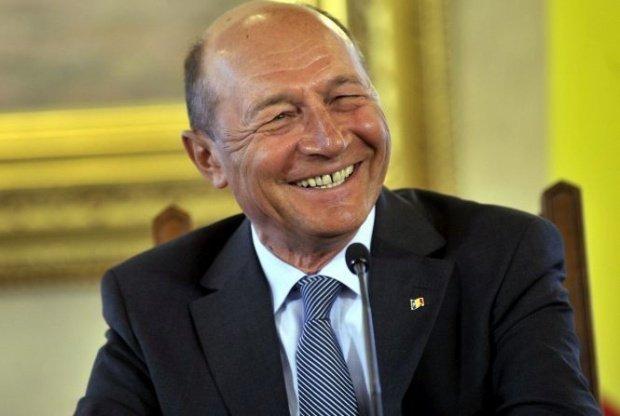 Schimb dur de replici în plenul Senatului între Alina Gorghiu şi Traian Băsescu