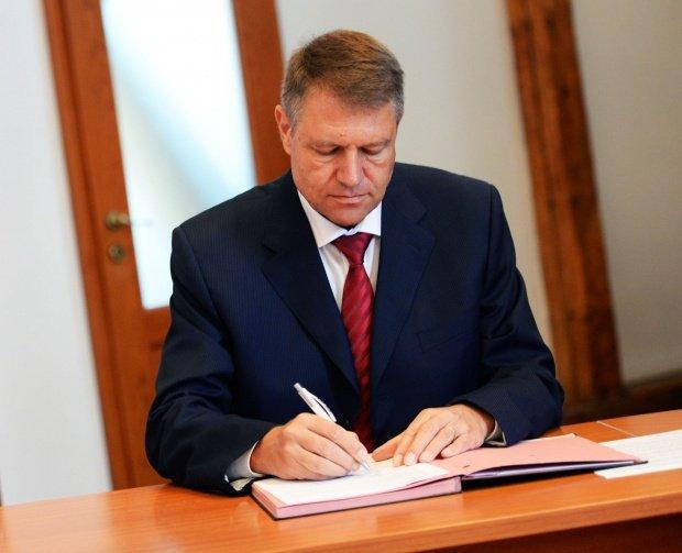 Klaus Iohannis: Voi promulga mâine legile de respingere a OUG 13 și de aprobare a OUG 14