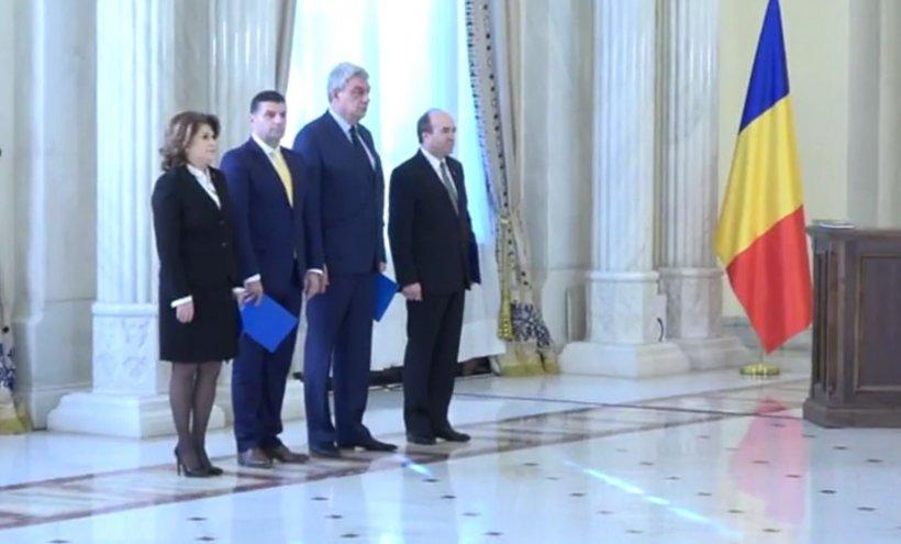 """Noii miniștri PSD au depus jurământul la Palatul Cotroceni. Iohannis: """"A fost o remaniere în circumstanțe deosebite"""""""