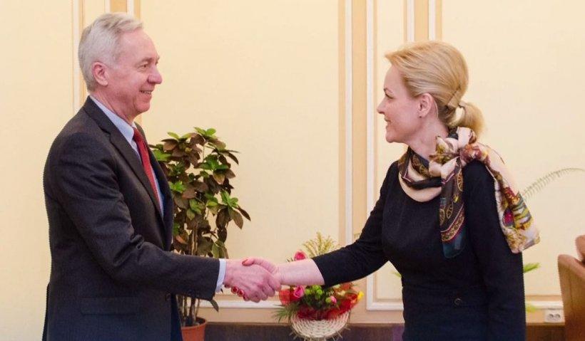 Ambasadorul Statelor Unite, în vizită la Ministerul de Interne. Ce au vorbit cei doi oficiali