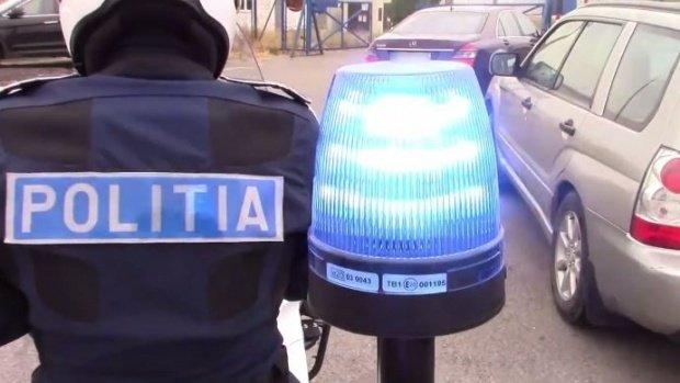 Poliţiştii de pe A1 au tras pe dreapta o maşină surprinsă de radar cu 210 hm/h. Au rămas şocaţi când au văzut cine era la volan