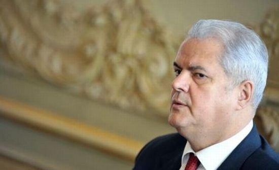 Adrian Năstase: PSD are nevoie de o revigorare. Ponta ar trebui să coordoneze departamentele partidului