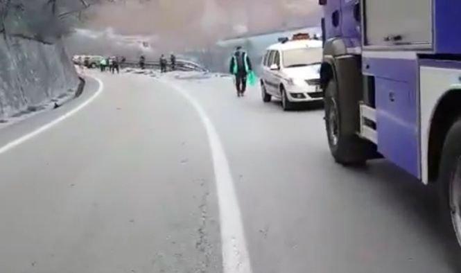Primele imagini de la accidentul suferit de soțul Alinei Gorghiu pe Valea Oltului. VIDEO