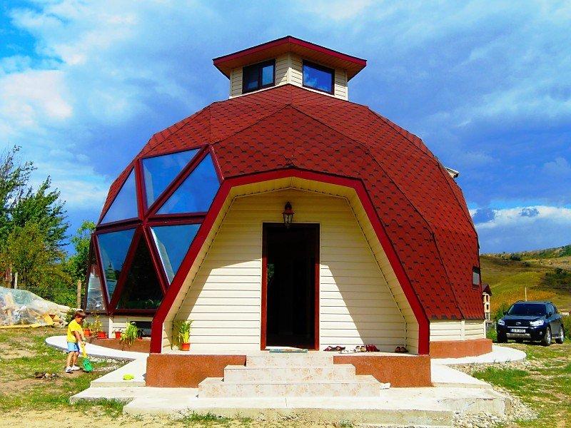 Casa din România care atrage privirile tuturor. A fost proiectată de fratele unei cunoscute actrițe. FOTO