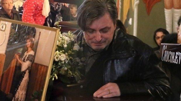Cornel Galeș, dărâmat de durere! În zi de sărbătoare, a pus poza Ilenei Ciuculete pe masă pentru a o simți aproape