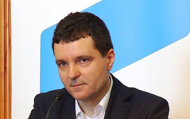 Nicuşor Dan ameninţă cu plângeri penale, după incidente la şedinţa Consiliului General Bucureşti - VIDEO