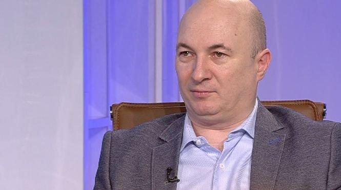 """Codrin Ștefănescu, atac dur la adresa homosexualilor: """"Vi se pare normal să se ţină de mână pe stradă un bărbat cu barbă cu unul cu mustaţă"""""""