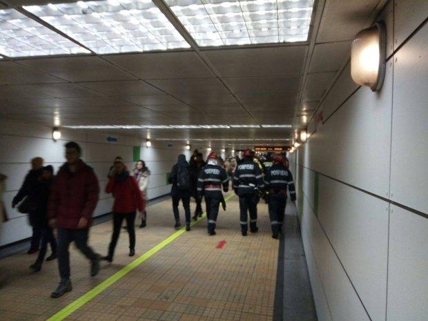 Circulaţia metroului între staţiile Ştefan cel Mare şi Gara de Nord a fost reluată în condiţii normale, după ce a fost scoasă apa din tunel