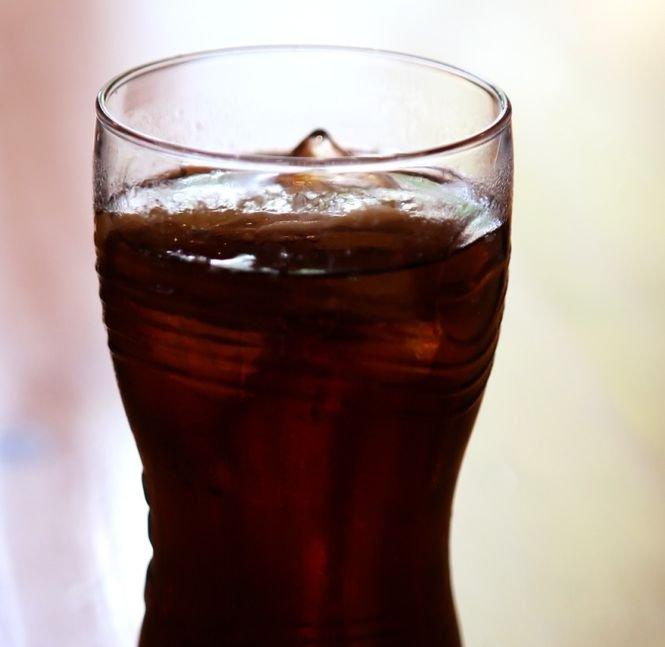 Câte linguriţe de zahăr conţine o doză de Cola