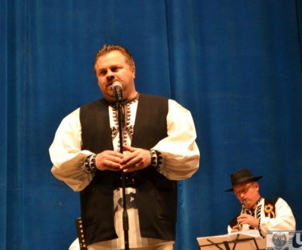 Ionuț Fulea a slăbit 41 de kilograme într-un timp record. Transformarea șocantă a interpretului de muzică populară