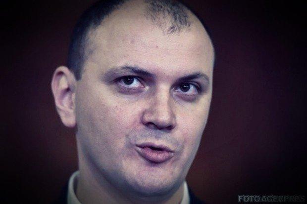 Surse: Sebastian Ghiță, vizitat în Serbia de angajați RTV și de amantă