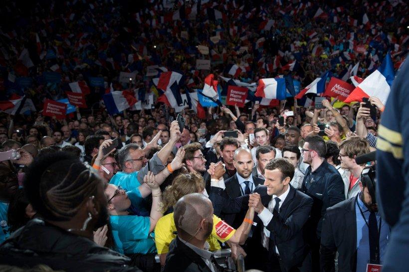 Alegeri prezidenţiale Franţa: Emmanuel Macron, prima declarație după ce primele estimări şi exit-poll-uri îl arată drept câştigător al primului tur