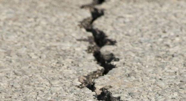 Alunecare de teren într-un sat din județul Galați. Mai multe familii sunt în pericol