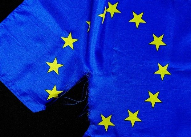 Economiştii avertizează că există un risc major ca o altă ţară din Europa să iasă din Uniunea Europeană