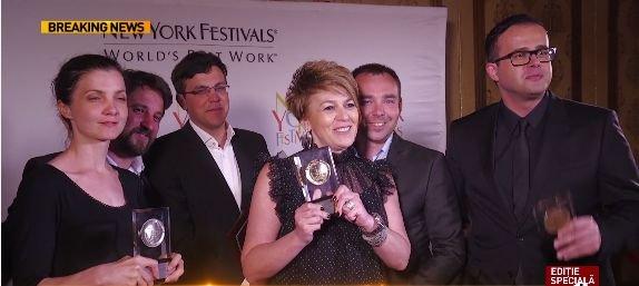 """Imagini nemaivăzute cu """"familia În premieră"""": Cea mai bună echipă de televiziune, medaliată cu aur la New York Festivals"""