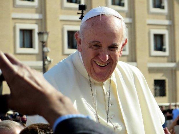 Papa Francisc, răspuns amuzant când a fost întrebat cu cine să voteze francezii
