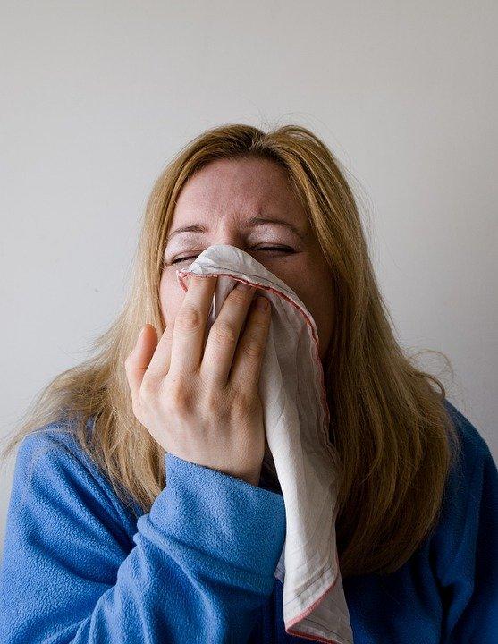 Pneumonia netratată poate fi mortală. Ce ascunde tusea cu expectorație
