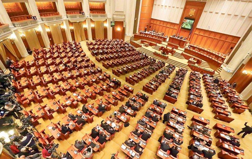 """Raluca Turcan, mesaj dur adresat liberalilor absenți la Comisia Juridică: """"Cei care nu sunt prezenți fac Opoziția praf"""""""