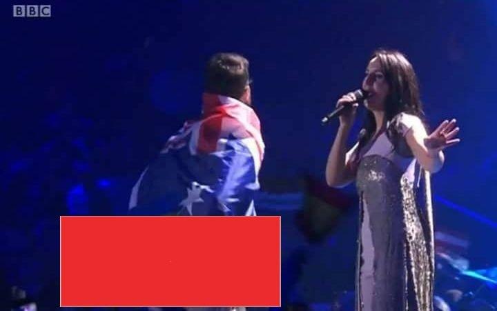 Eurovision 2017. Scenă șocantă în timpul Eurovision 2017. Un spectator dezbrăcat a urcat pe scenă