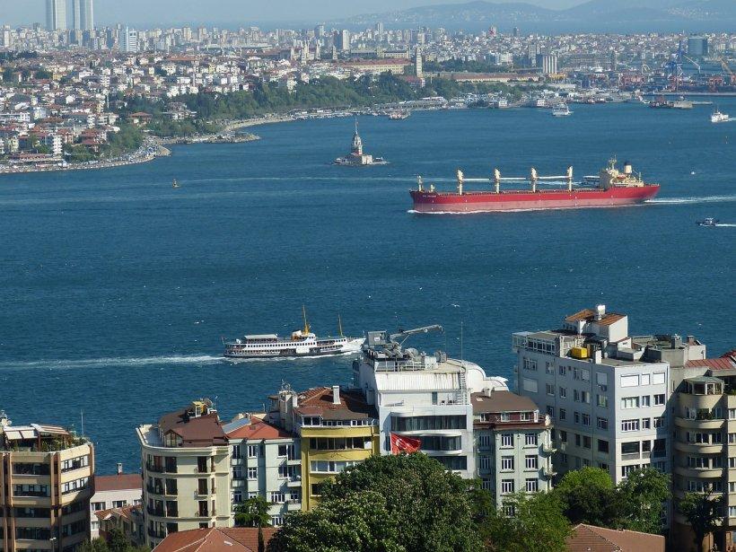 Turcia avertizează: Statul Islamic pregăteşte atacuri teroriste împotriva navelor militare ruse