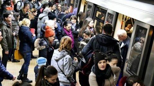 Câţi bucureşteni sunt afectaţi de închiderea staţiilor de metrou Aurel Vlaicu și Pipera