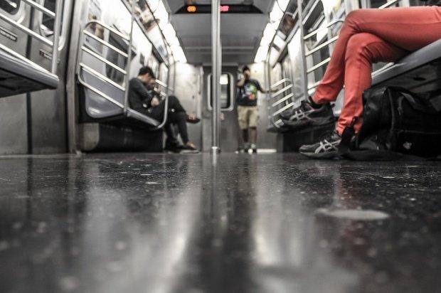 Ce se întâmplă noaptea la metrou