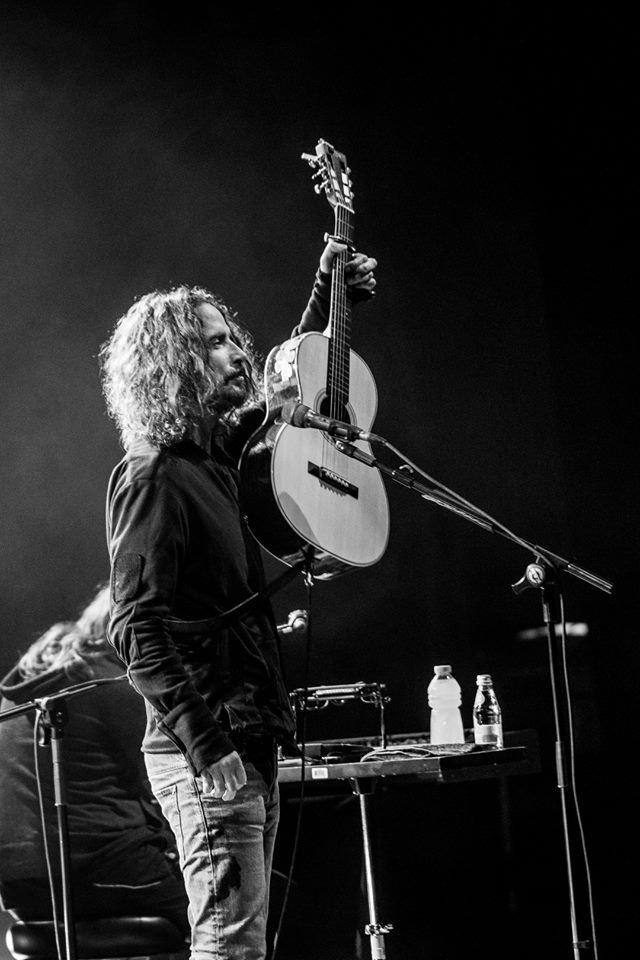 """Soția lui Chris Cornell face dezvăluiri după moartea artistului: """"Nu și-ar lua viața intenționat"""""""
