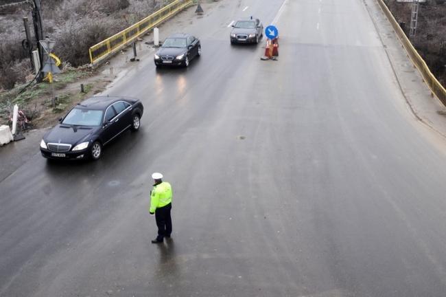Un șofer care a lovit o femeie pe zebră în Galați, căutat de poliție