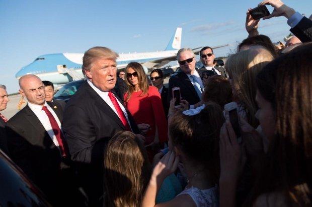 A încălcat toate regulile pentru un selfie cu Donald Trump. Imaginea care i-a înfuriat pe oficialii israelieni