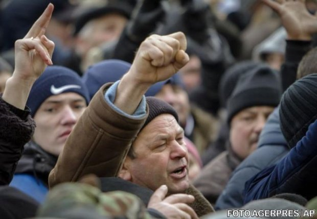 Sindicatele anunţă proteste cu 120.000 de oameni, în țară. Mitingul de amploare, cauzat de Legea salarizării