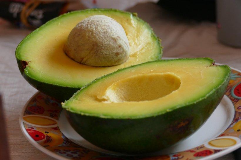 Ce se întâmplă în corpul tău dacă mănânci un avocado pe zi