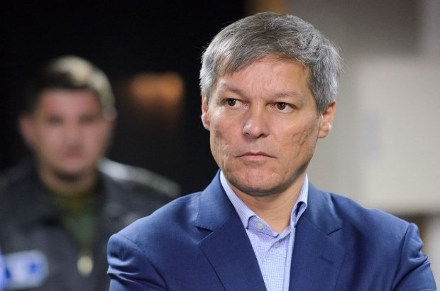 """Dacian Cioloș, atac dur la adresa lui Dragnea: """"Neputința lui de a explica fenomene economice se va traduce prin pierderi în buzunarul românilor"""""""