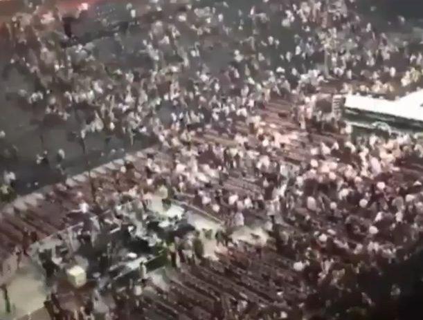 """Atentat Manchester Arena. Panică pe străzi: """"Erau o mulţime de copii fără părinţi, nu era nimeni care să-i calmeze"""" (VIDEO)"""