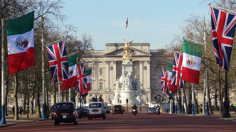 Alertă la Palatul Buckingham!