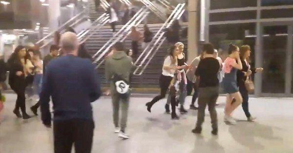 """Descoperire șocantă a anchetatorilor în legătură cu bomba de la Manchester Arena. Conținutul dispozitivului i-a șocat pe toți. """"Nu a lucrat singur!"""""""