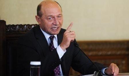 Prima reacție a lui Traian Băsescu după ce procurorii le-au trimis în judecată pe fiica sa, Ioana, și pe Elena Udrea