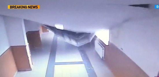 La ordinea zilei. Imagini șocante! Tavan prăbușit la o școală din Capitală