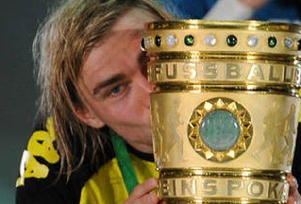 Borussia sparge blestemul finalelor în Cupa Germaniei