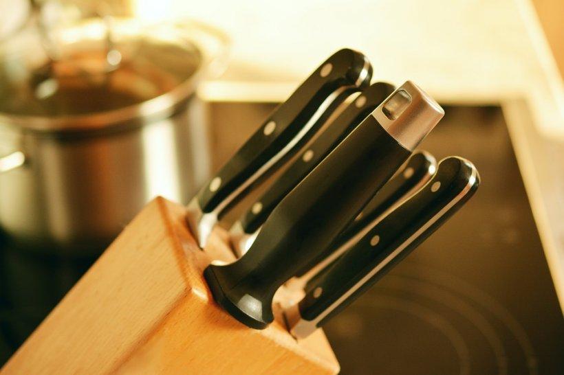 Pontul zilei - cum ne ascuțim corect cuțitele acasă