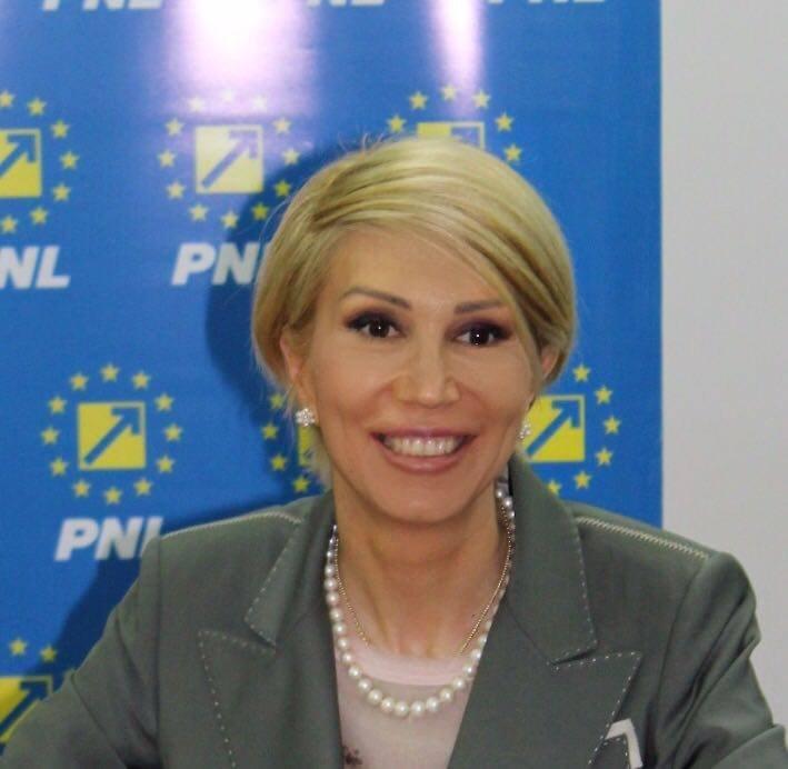 Raluca Turcan și-a anunțat candidatura la alegerile interne din PNL. Ce funcție vizează președintele interimar al partidului