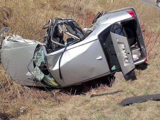 Accident îngrozitor la Hunedoara. Un șofer a murit pe loc, după ce maşina pe care o conducea a intrat pe contrasens şi a fost lovită de un camion