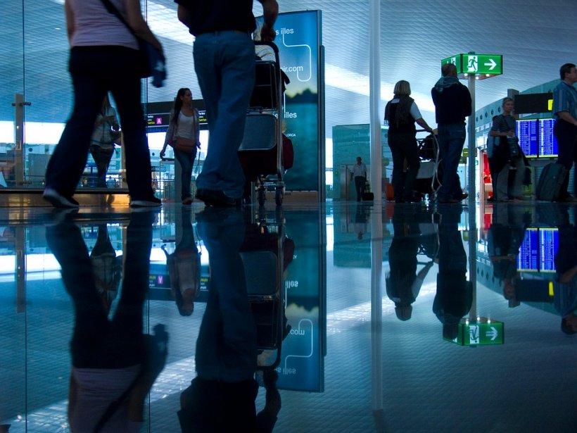 Alertă teroristă pe aeroportul din Lisabona. Pasagerii au fost evacuați